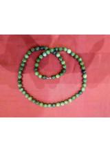 Halskette aus Jade, geknotet
