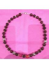 Granatstein mit Mashan Jade. Halskette, geknotet